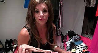 American milfs Katrina and Lilli get themselves in the mood
